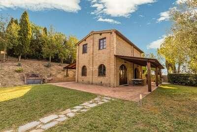 Charmante maison de vacances avec piscine privée et jardin, située près de Sienne