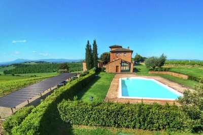 Ferme luxueuse à Montepulciano avec Piscine
