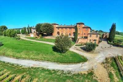 Ferme de charme à Montepulciano avec piscine