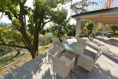 Charmante maison de vacances à Massarosa avec piscine