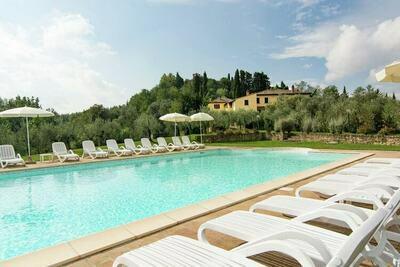 Ferme confortable à Capannoli avec piscine