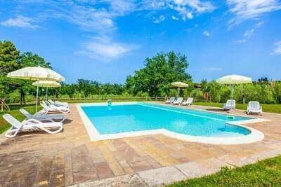Ferme de charme à Capannoli avec piscine