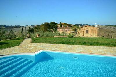 Belle maison de vacances avec piscine au cœur de la Toscane