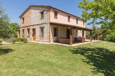 Villa de campagne à Arcevia avec piscine
