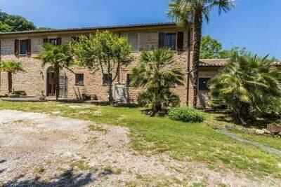 Villa de charme à Sant'Elena avec piscine