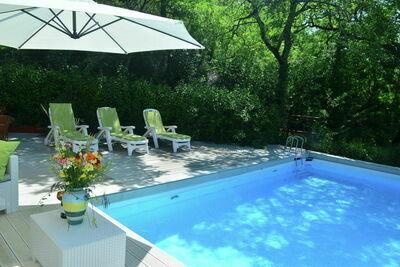 Belle villa avec piscine à Fabriano Marche