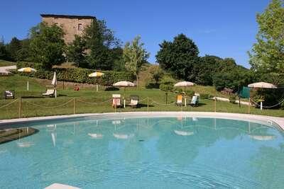 Confortable demeure à Apecchio avec piscine