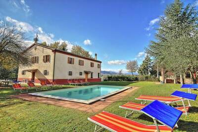 Villa luxueuse à Pantana Serraltaa avec piscine