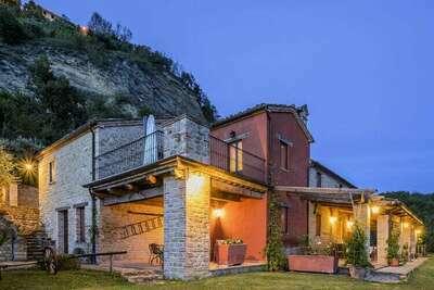 Superbe appartement avec piscine à Monte San Martino