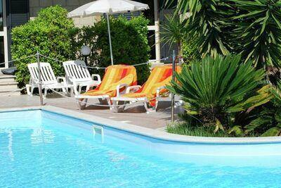 Luxueuse maison de vacances à Tortoreto avec piscine