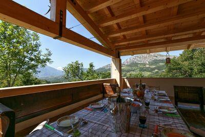 Villa moderne avec piscine privée à Pietranico en Italie