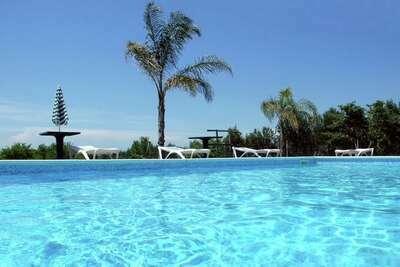 Demeure confortable à Torricella, avec piscine