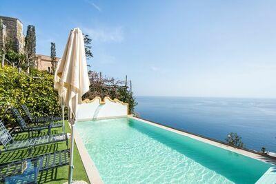 Villa moderne à Positano avec piscine