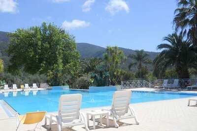 Maison de vacances luxueuse à Palinuro avec piscine