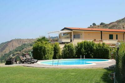 Superbe maison de vacances à Parghelia près de la mer