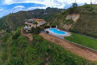 Charmante maison de vacances à Parghelia