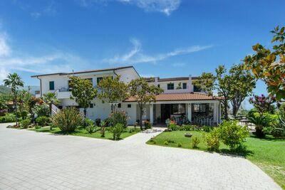 Maison de vacances cosy avec piscine à Ricadi, Calabre