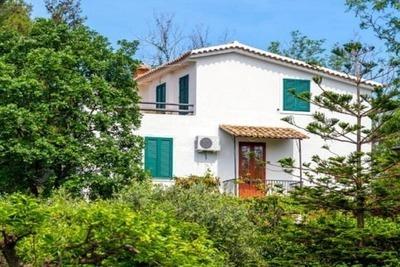 Villa spacieuse en Calabre avec piscine partagée