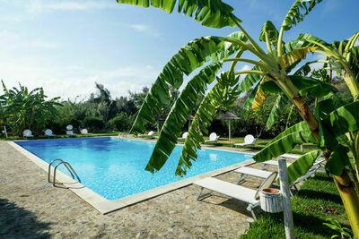 Maison de vacances douillette avec piscine à Santa Flavia