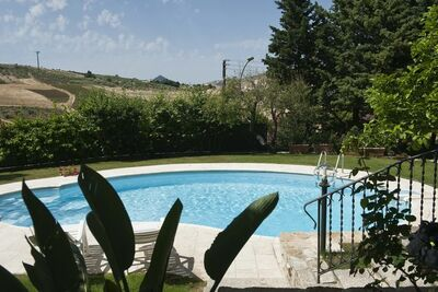Grande maison de vacances avec piscine à Buseto Palizzolo
