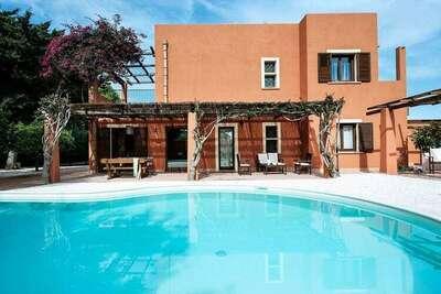 Villa de vacances classique avec piscine en Sicile, Italie