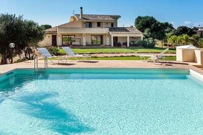 Grande villa avec piscine à Marsala