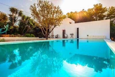 Villa contemporaine à Cornino en Sicile pour 5 personnes
