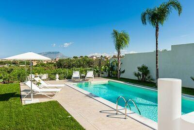 Villa de luxe avec piscine à Marausa