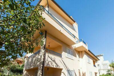 Maison de vacances ensoleillée à Sciacca avec balcon