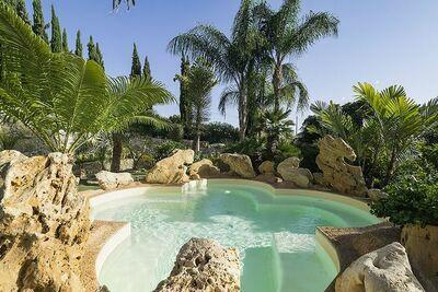 Charmante villa avec piscine près de la Vallée des Temples