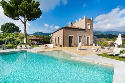 Villa cosy avec piscine privée à Zafferana Etnea