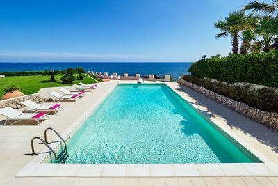 Villa de luxe avec piscine privée à Fontane Bianche