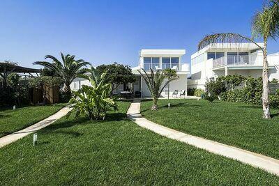Paisible maison de vacances avec terrasse à Scicli
