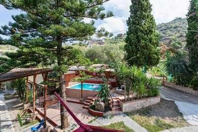Belle maison de vacances à Gioiosa Marea avec piscine