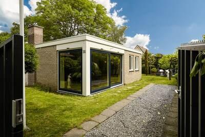 Charmante maison de vacances avec sauna situé à Kortgene