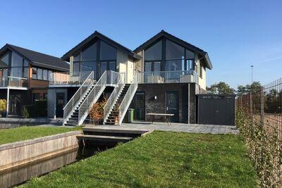 Jolie maison de vacances à Stavoren près des lacs Frisian