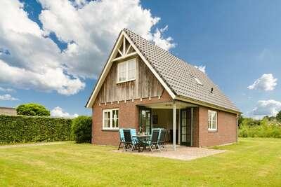 Maison de vacances moderne près d'un lac à Gasselte