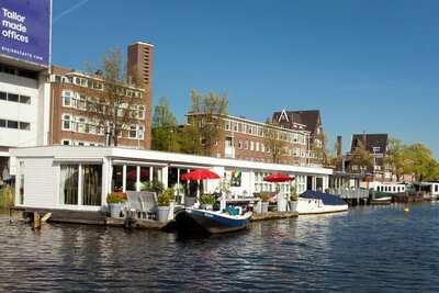 Appartement péniche moderne à Amsterdam avec terrasse