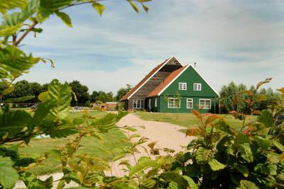 Maison avec lave-vaisselle et grand jardin, à 19km de Hoorn