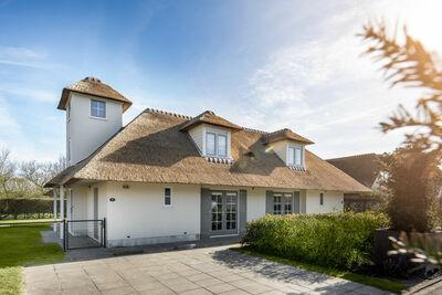 Villa spacieuse rénovée avec salle de bain à Domburg