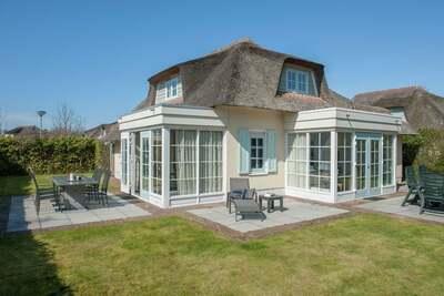 Villa au toit de chaume rénovée, mer à 1 km à Domburg