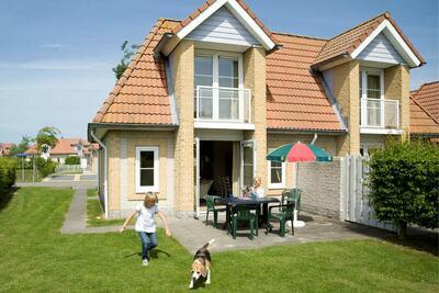 Villa semi-indépendante stylée avec jardin, proche plage.