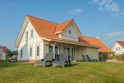 Villa de luxe avec bateau et console de jeux, plage à 400 m