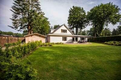 Villa confortable avec lave-vaisselle, au milieu du Veluwe