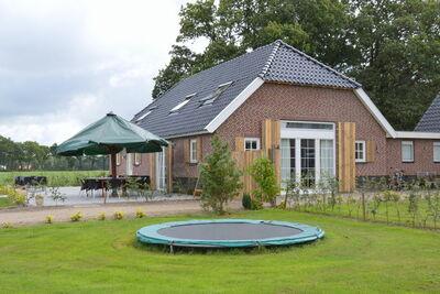 Maison de vacances spacieuse à Eibergen avec terrasse