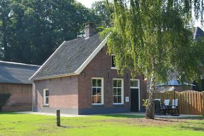 Maison de vacances moderne à Geesteren avec terrasse