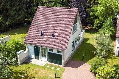 Maison avec lave-vaisselle à 3 km du parc Hellendoorn