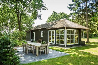 Lodge en chaume, climatisation et lave-vaisselle, à Twente