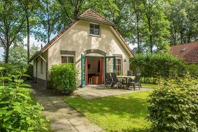 Maison confortable avec douche à vapeur, à Twente