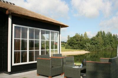 Lodge au toit de chaume avec micro-ondes combiné, à Twente
